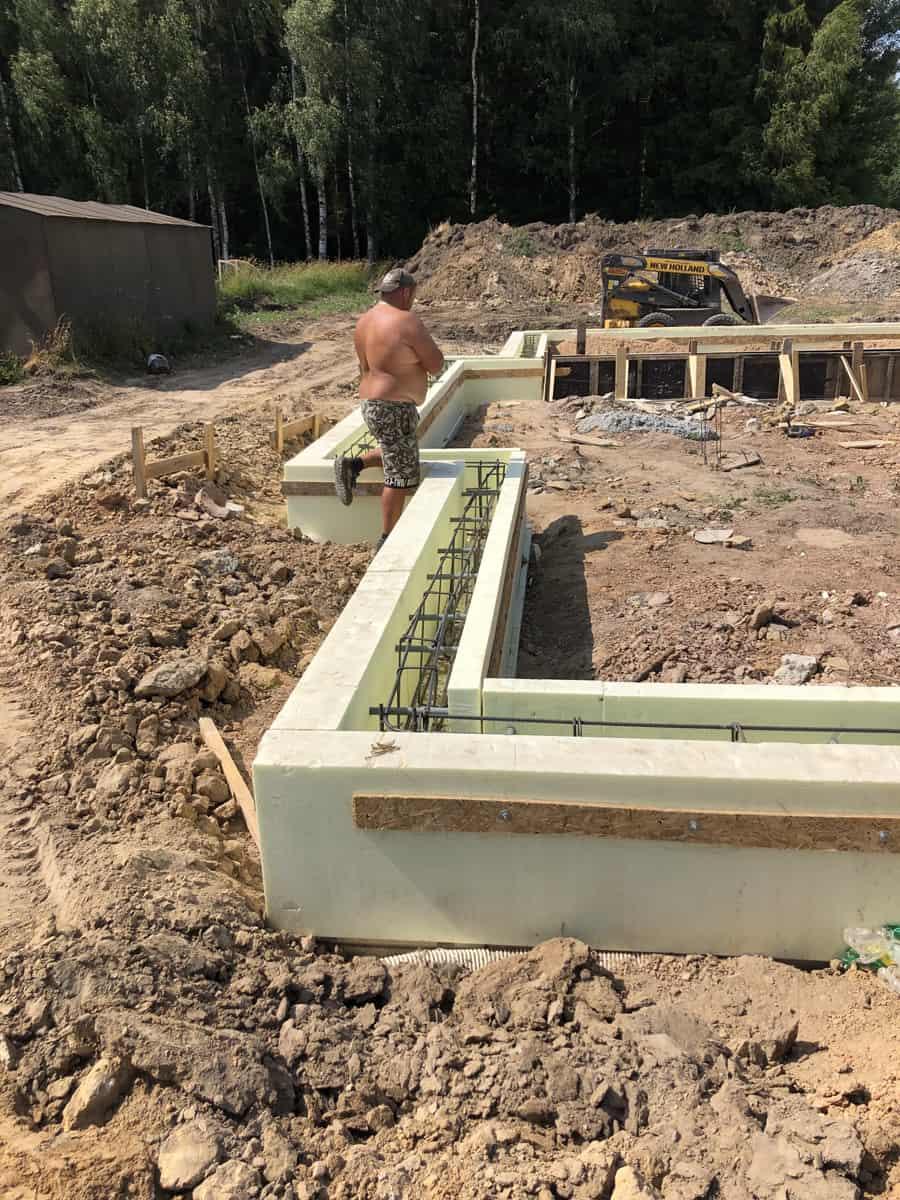 namo statybos pradzia